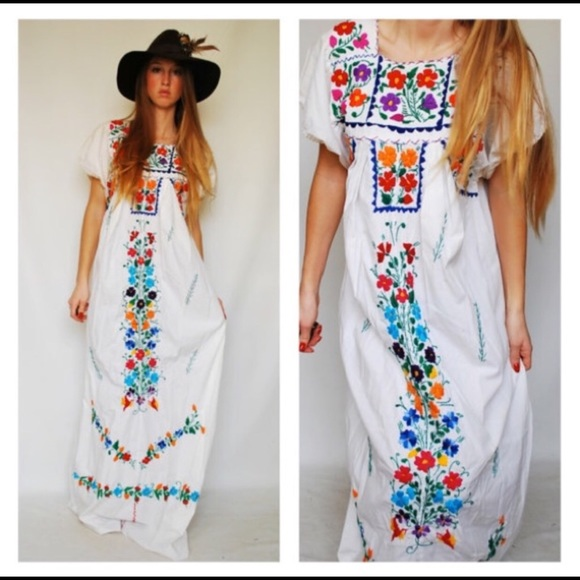 Mexican Wedding Dress.Vintage Floral Mexican Wedding Dress Size S